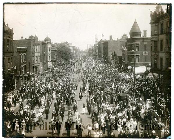 Memorial Day Parade, Chicago. Rozanski Bros., 1918
