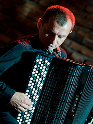 Akordeonista Jarosław Bester