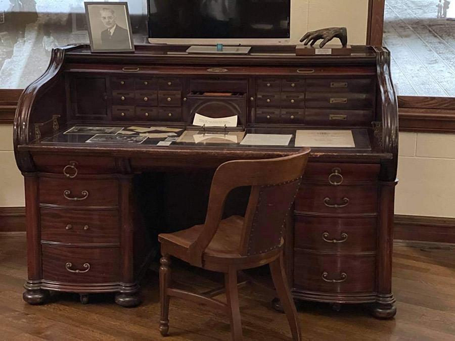 Dębowe biurko Mieczysława Haimana